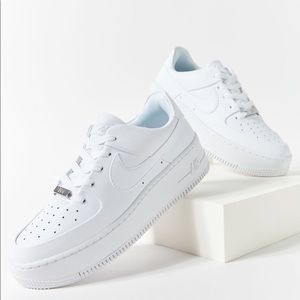 Nike Air Force 1 Low, size 9.5